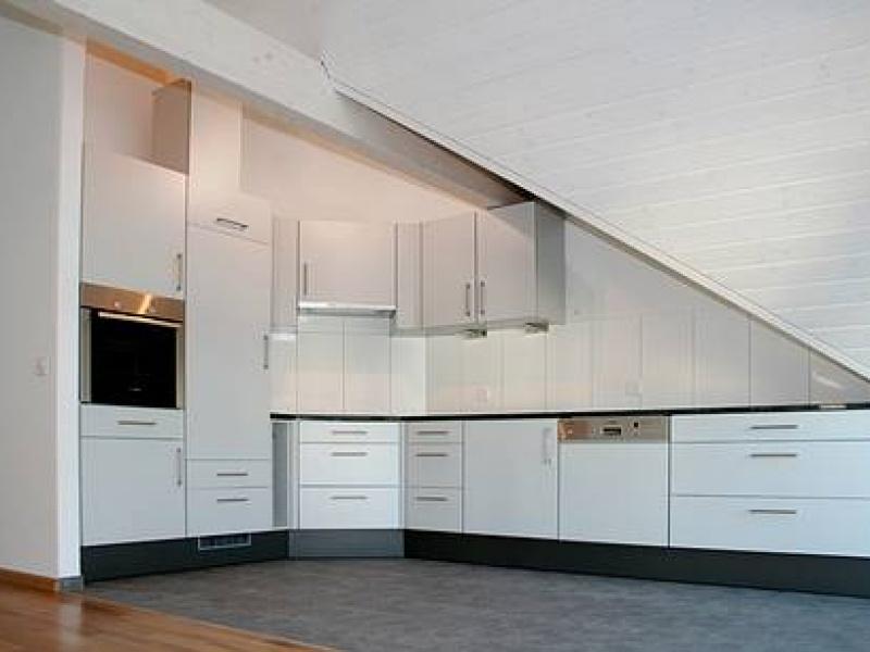 k chen f r dachschr gen. Black Bedroom Furniture Sets. Home Design Ideas