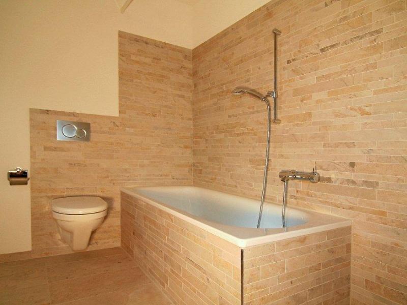 dusche gemauert hohe raum und m beldesign inspiration. Black Bedroom Furniture Sets. Home Design Ideas