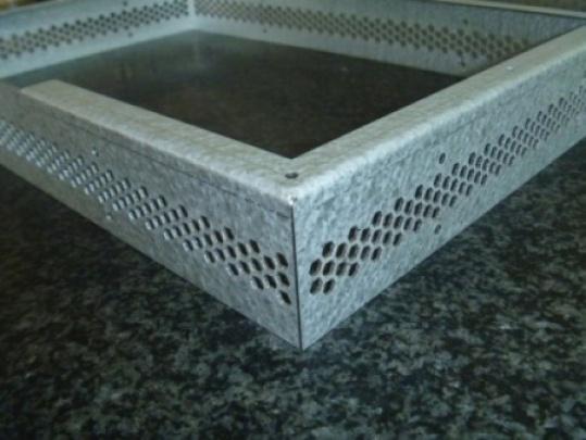 Gehäuse aus sendzimirverzinktem Stahlblech