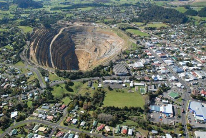 impacts of gold mining waihi Martha gold mine unique open pit mining by newmont martha gold mine constitute open pit mine that is very unique, located in the township of waihi, new zealand : martha mines constitute open pit mine that is very unique, because the mining area is located in a residential area and near to a thriving community.